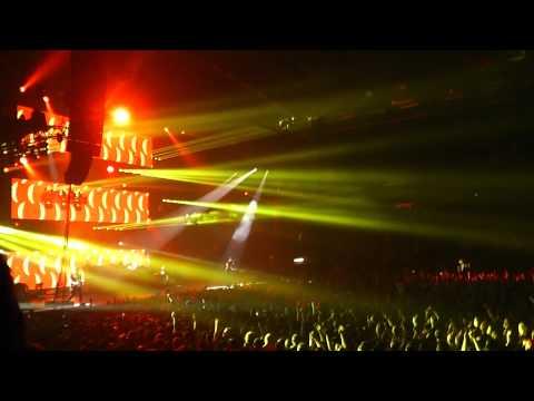 Blink 182 - 012 First Date - Metro Radio Arena Newcastle 19-06-2012