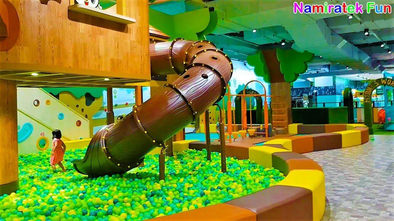 bermain mainan anak naik odong odong mobil mobilan anak mandi bola hijau di Kids Playground Mall