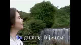 Titiek Sandhora - Gunung Fujiyama
