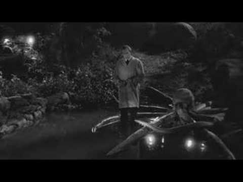 Ed Wood - Bela Lugosi fights the octopus
