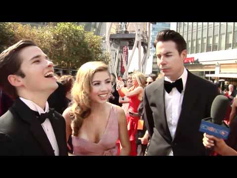 Jennette McCurdy, Nathan Kress & Jerry Trainor Talk 'iCarly' At The Creative Arts Emmy Awards 2011