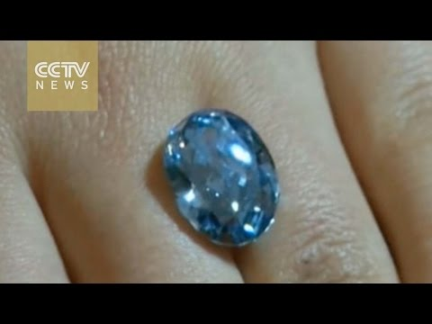 Hong Kong Auction: blue diamond shatters Asian jewelry record