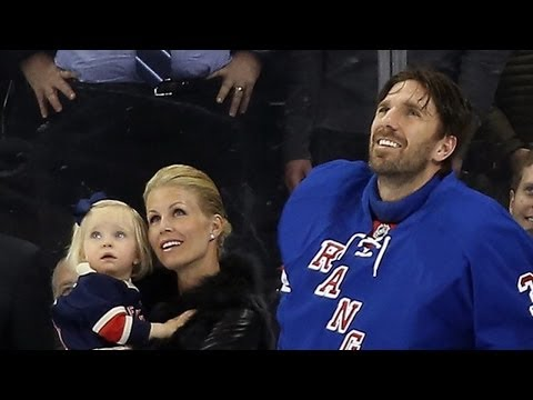 Henrik Lundqvist honored by the Rangers