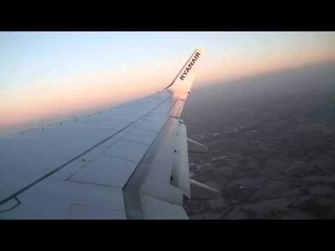 Ryanair B737-800 take-off Bremen great water effects