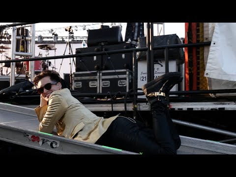 Panic! At The Disco: Come Fly with Me (To The APMAs) Thumbnail image