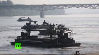 Anaconda drills: NATO troops build temporary bridge over Poland's Vistula River