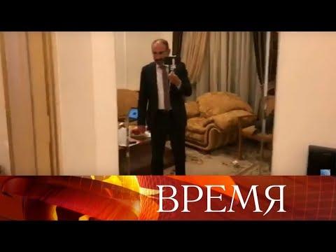 Премьер-министр Армении Никол Пашинян провел в Facebook виртуальную экскурсию по своей резиденции.