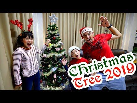 Christmas Tree Decorating 2019 - Family vlog tradition