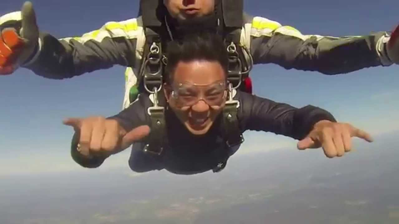 Robby t saut en parachute paris nevers 2015 4000m youtube - Saut en parachute nevers ...