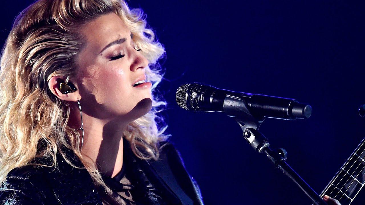 Tori Kelly James Bay Amazing Hollow 2016 Grammys Performance