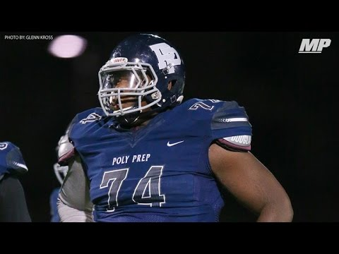 6-foot-7 350-pound lineman rushes for 3 TDs