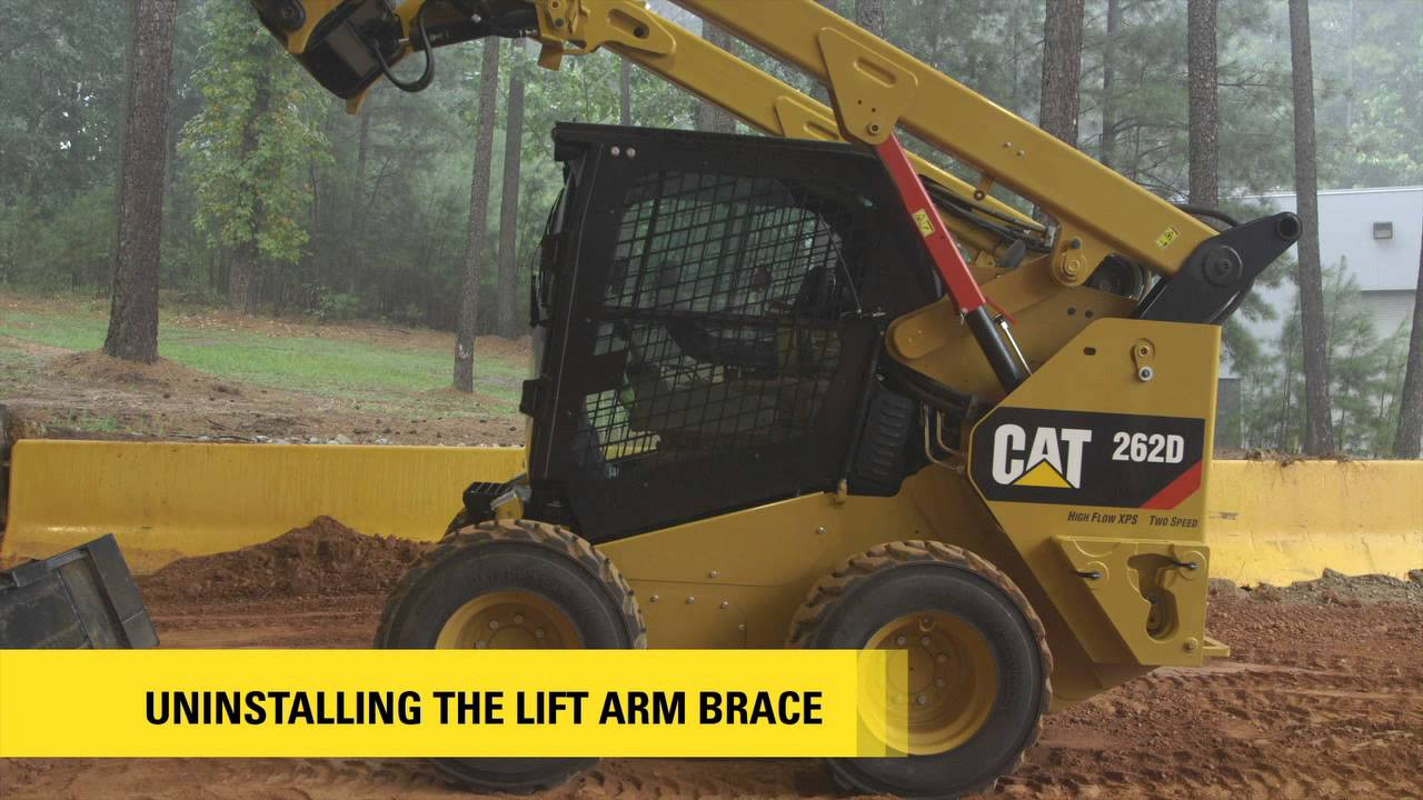 Construction Lift Arm : Innovative lift arm brace on the cat d series skid steer