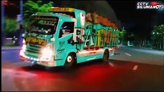 Download truk Rebecca Azka Prawira Gayor oleng tipis² di Surabaya (Cctv Silumanoyi)