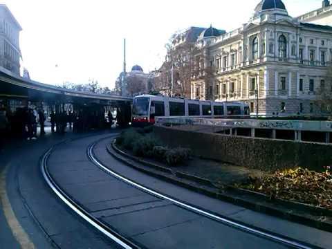 Straßenbahn Linie 43 Schottentor In Wien Youtube