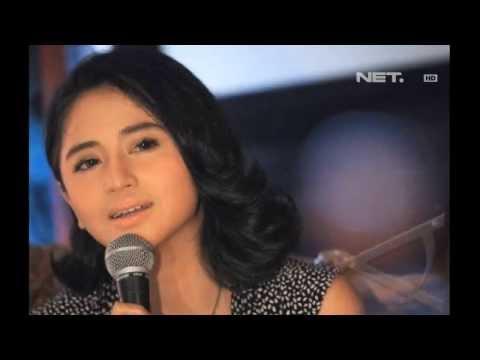 Entertainment News-Dewi Persik Dijenguk Orang Tua