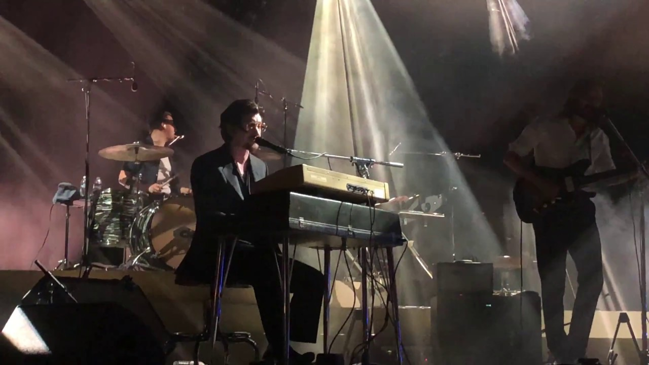 arctic-monkeys-4-out-of-5-live-the-hollywood-forever-cemetery-5-05-2018-thetaintster