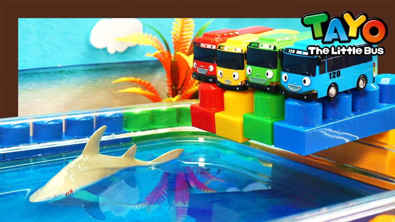 Learn colors with Tayo swimming pool and baby shark l Heavy Vehicles Lego Play l Tayo the Little Bus