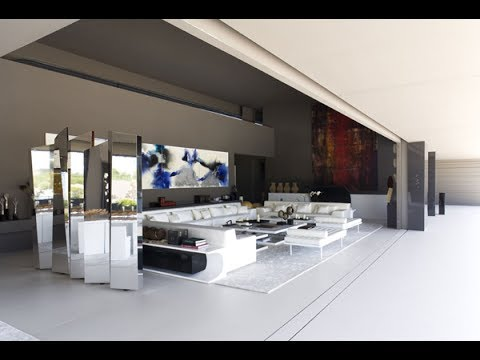 Rihanna vs Cristiano Ronaldo finest mansion (interior and exterior) who is the richest