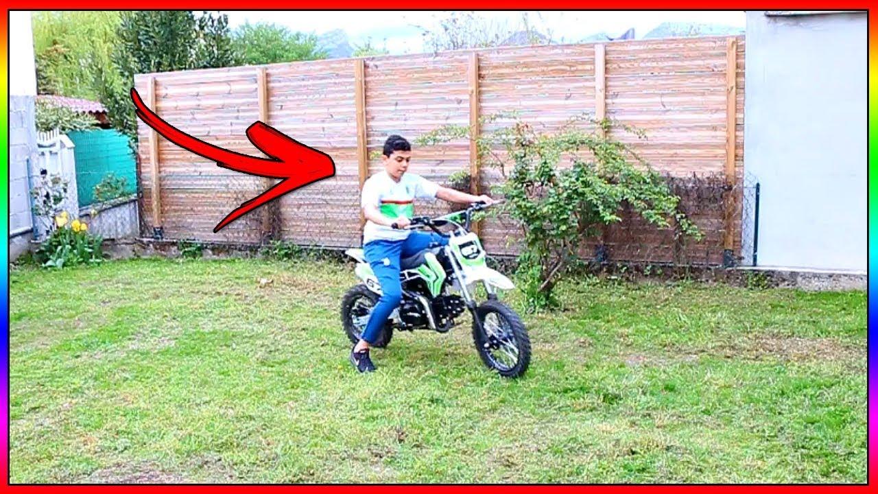 momo fait de la moto cross dans mon jardin il a failli faire un accident youtube. Black Bedroom Furniture Sets. Home Design Ideas