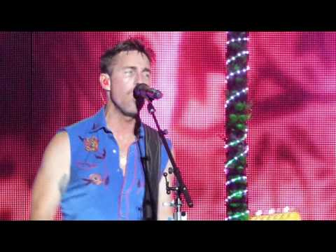 "Jake Owen-Live-""If He Aint Gonna Love You"""