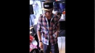 MC-Jv--FLY HIGH  ft.UTIN