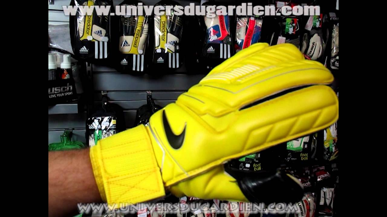 pr sentation nike gk gunncut 13 gants de gardien par universdugardien com youtube. Black Bedroom Furniture Sets. Home Design Ideas