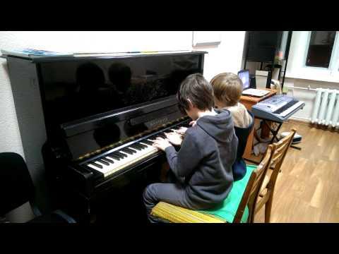 Смотреть онлайн Чайковский Красная Шапочка и Серый Волк в 4 руки - на уроке в студии Глория