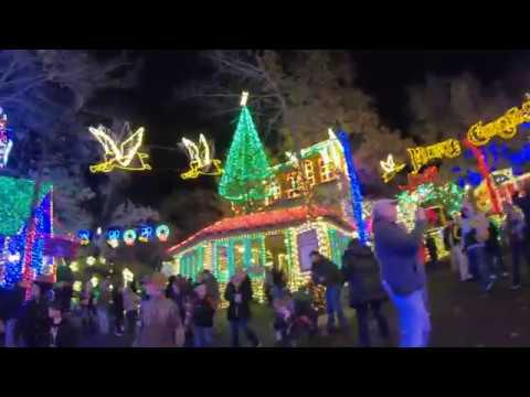 Silver Dollar City Christmas.Silver Dollar City Branson Missouri 2018 Christmas Lights