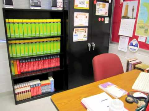 How to Get Organized: Organize a Teacher Area in Your Classroom ...