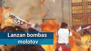 Lanzan bombas molotov a Palacio Nacional; mujeres acusan infiltrados