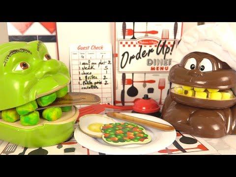 Shrek et le Singe Mangent au Restaurant Diner