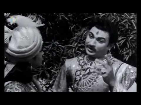 Dr.Rajkumar Comedy Scene | Kitturu Chennamma Kannada Movie | Kannada Comedy Scenes | B Sarojadevi