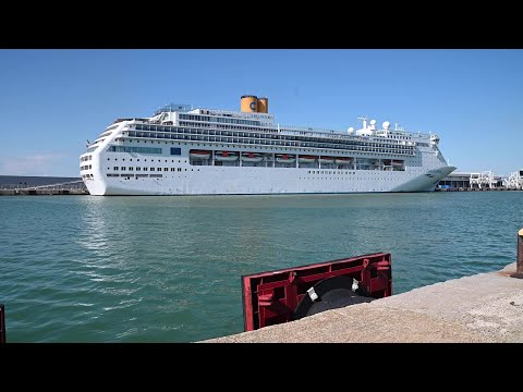 Coronavirus: Italian cruise