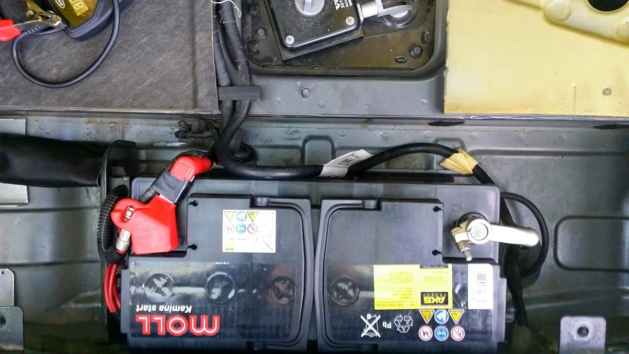 Замена аккумулятора Volvo XC90.