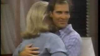 "Murphy Brown § Peter Hunt ""The enveloppe on the bed"""