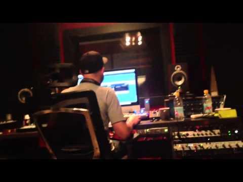 M-Phazes & Illy making hits