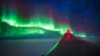 EPIC NORTHERN LIGHTS FROM PLANE!