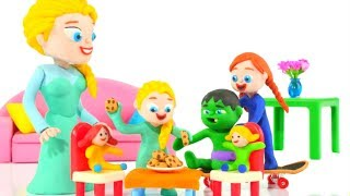 BABY PRINCESS INVITES HER FRIENDS OVER  ❤ Superhero Babies Play Doh Cartoons For Kids
