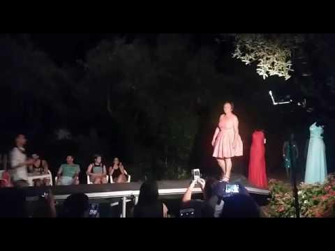 Desfile modelos en Trébedes (Acebo)