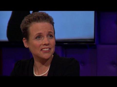 Download Dana Nechustan geraakt door clip Stromae - RTL LATE NIGHT