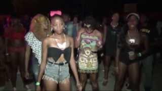 Repeat youtube video Kerchief Sexy....Aug 1,2014