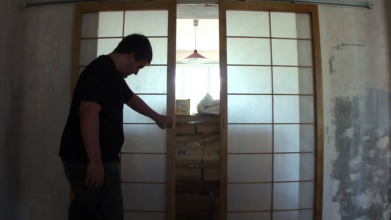 installation de panneaux coulissants japonais shoji menuiserie youtube. Black Bedroom Furniture Sets. Home Design Ideas