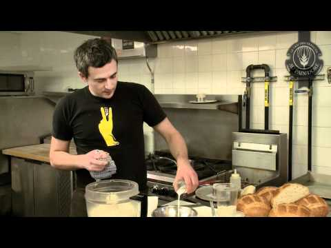 galette-de-chèvre-et-escargot,-jus-de-persil-à-l'ail