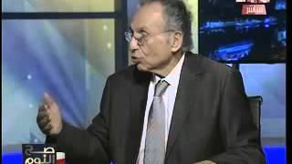 ذلة لسان تحرج ممدوح حمزة: طالبت بعزل السيسي (فيديو)
