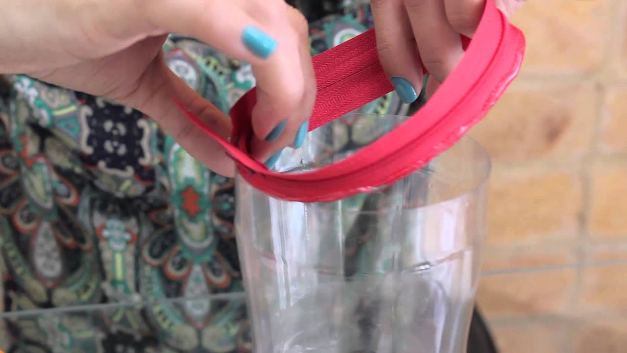 Diy recycled plastic bottle pencil case youtube for Diy recycled plastic bottles