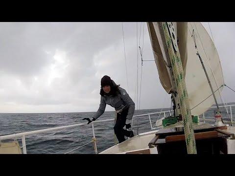 Voiles en ciseaux, bateau waterproof, les 3 caps, l'hiver interminable... l'apprentissage continue !