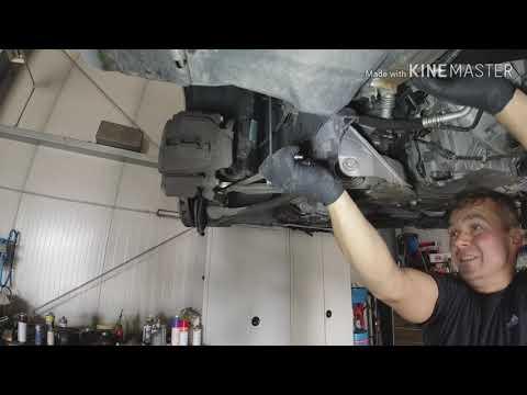 Mercedes W203. Замена нижних передних рычагов и настройка ступечного подшипника