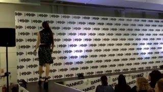 видео Кожаная юбка-карандаш: hey sexy lady!