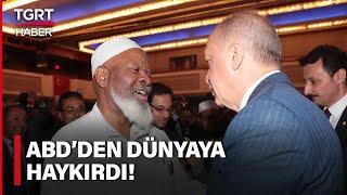 Cumhurbaşkanı Erdoğan'ı Övdü, Salon Ayağa Kalktı