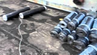 ремонт кровли - рубероид в рулонах на крыше(ремонт кровли - рубероид в рулонах на крыше., 2015-10-28T11:31:13.000Z)